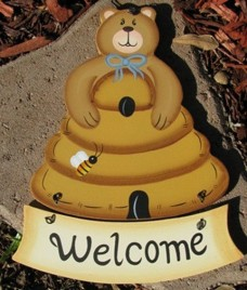 Welcome Bear Wood Hanging Wd2090